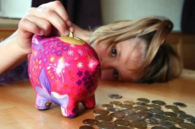 Das liebenswerte Sparschwein ist auch heute aus den meisten Kinderzimmern nicht wegzudenken. (Foto: djd / UDI / CJS)