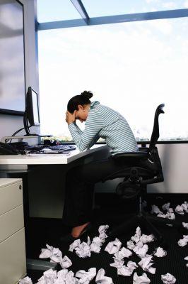 Sehr oft sind heute psychische Störungen wie etwa das Burn-out-Syndrom Ursachen für eine Berufsunfähigkeit. (Foto: djd/Allianz Leben)