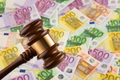 Wer seinen Lohn in fremder Währung bekommt, muss bei seiner Steuererklärung auf höchstrichterliche Regeln achten. (Foto: djd/www.geld-magazin.de)