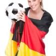 Wie weit kommen Jogis Jungs? Topfavorit ist die DFB-Elf um Trainer Löw nicht, aber das Halbfinale wird ihr von vielen Experten mindestens zugetraut. (Foto: djd/Intertops Sportwetten)