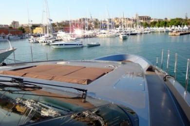 Endlich Arbeit - und dann sogar auf den Luxusyachten am Mittelmeer. (Foto: djd/TÜV NORD Schulungszentrum)
