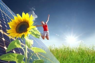Erneuerbaren Energien gehört die Zukunft. Privatinvestoren können diesen Trend mit der Beteiligung an einem geschlossenen Fonds mit dem Fokus auf Solarenergie nutzen. (Foto: djd/BSC Neutrale Allfinanz-Vermittlungs-GmbH)