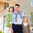 Ein Patentrezept für den optimalen Versicherungsschutz gibt es nicht, junge Familien haben einen anderen Bedarf als Rentner. (Foto: djd/BSC Neutrale Allfinanz-Vermittlungs-GmbH)