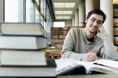 Studieren ohne Stress, auch wenn es kein BAföG gibt: Bildungsfinanzierung auf Kreditbasis über die KfW. (Foto: djd/KfW Bankengruppe)