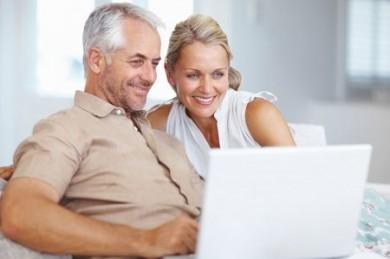 Ist das Geld für die Altersvorsorge sicher angelegt, kann man sich entspannt zurücklehnen. (Foto: djd/Direkte Leben Versicherung)