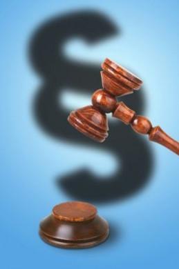 BGH-Urteil: Ärztliche Risikoaufklärung in einfachen Fällen auch telefonisch zulässig. (Foto: djd/www.geld-magazin.de)
