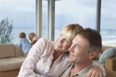 Auch wenige Jahre vor dem Ruhestand kann man auf sinnvolle Weise zusätzliches Kapital bilden. (Foto: djd/Direkte Leben Versicherung)